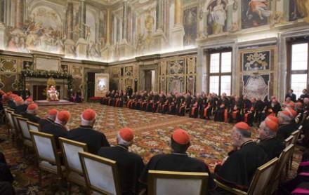 Benedictus XVI waarschuwt voor de denaturatie van het gezin