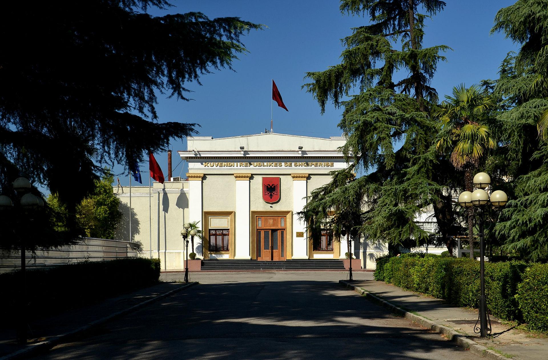 Patstelling tussen regering en oppositie Albanië doorbroken
