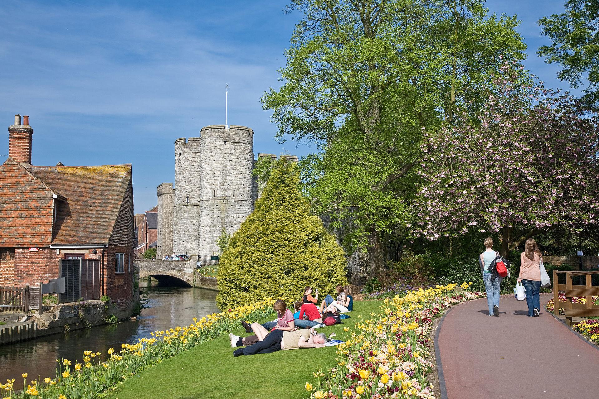 Canterbury markeert de nederlaag van May