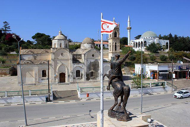 Turkse belasting op hulpgoederen maakt Grieken Noord-Cyprus leven zuur