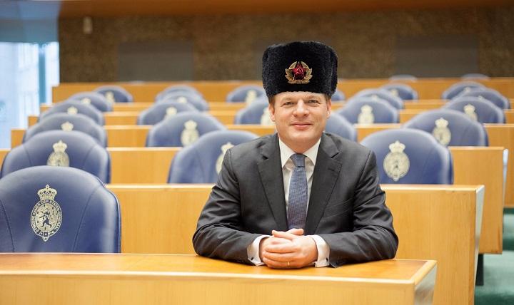 Minister Blok bedreigd door anti-Ruslandlobbyist – Pieter Omtzigt op ramkoers met Moskou