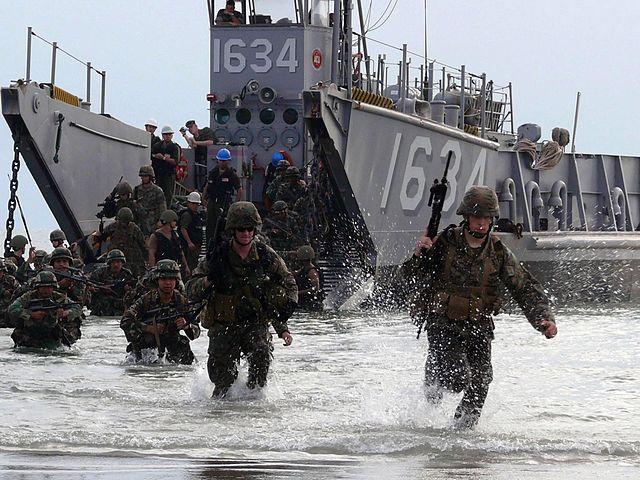 """Amerika dreigt met invasie Den Haag – Kabinet """"verontrust"""""""