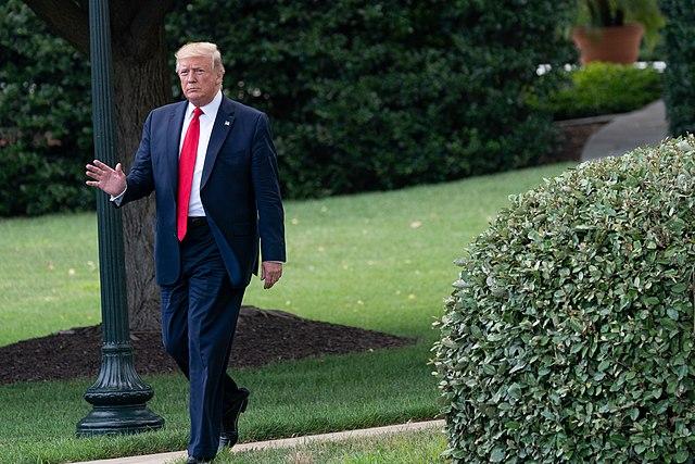 Draining the swamp – Trump ploetert onverdroten voort